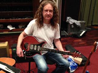 dave holmes guitarist